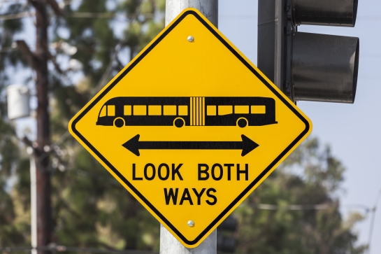 shutterstock_160729910 (look both ways)