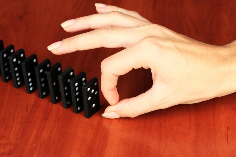shutterstock_160082594 (dominos)