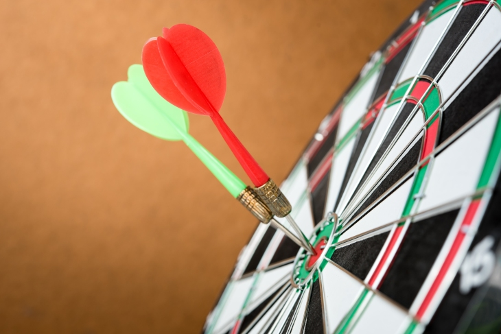 shutterstock_424534183 darts on target